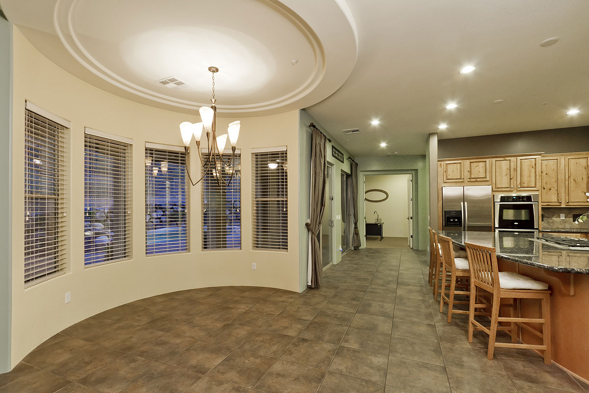 Camelot home with pool for sale canyon 39 s edge peoria for Bathrooms plus peoria il